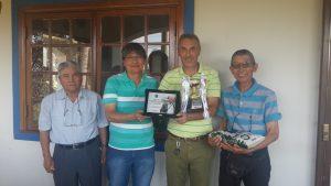 Jean-Jacques recebendo seu troféu
