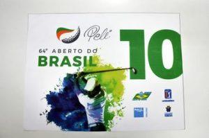 Bandeira do torneio autografada por Pelé será exposta e estará à venda