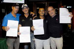 Paulo, Laércio, Delci e Joe Foto: Zeca Resendes/APG
