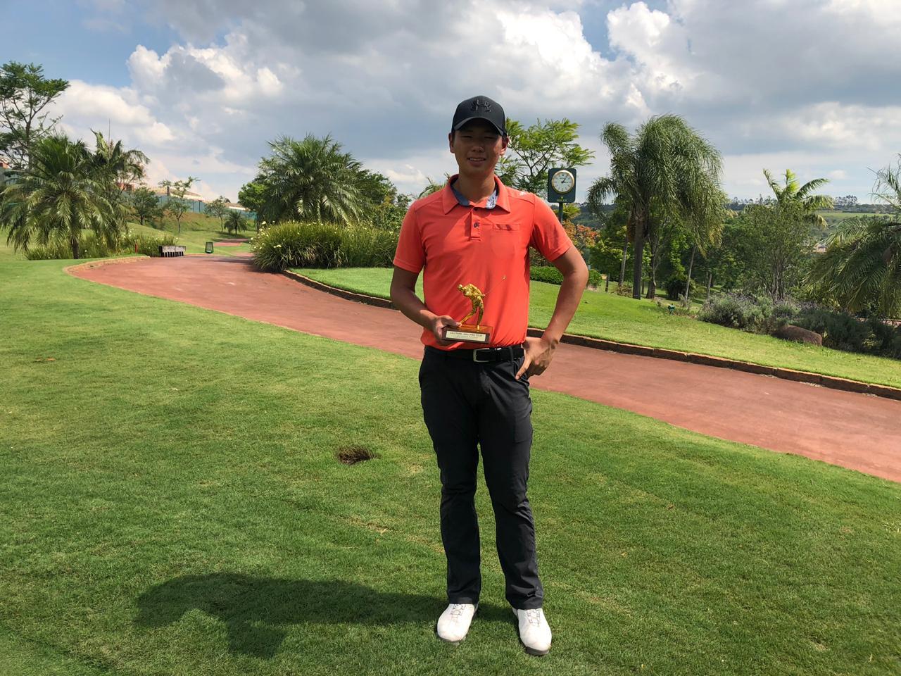 Jinbo Ha foi o campeão da oitava etapa do Golf Pro Tour na Fazenda da Grama