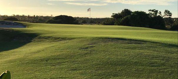 Campo de golfe do Iberostar Praia do Forte é reaberto na Bahia