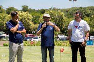 Guilherme Paulus ao lado de Miguel Palhota, gerente de golfe do resort, e Gilmar Piolla, secretário de Turismo de Foz do Iguaçu Foto: Jean Pavão