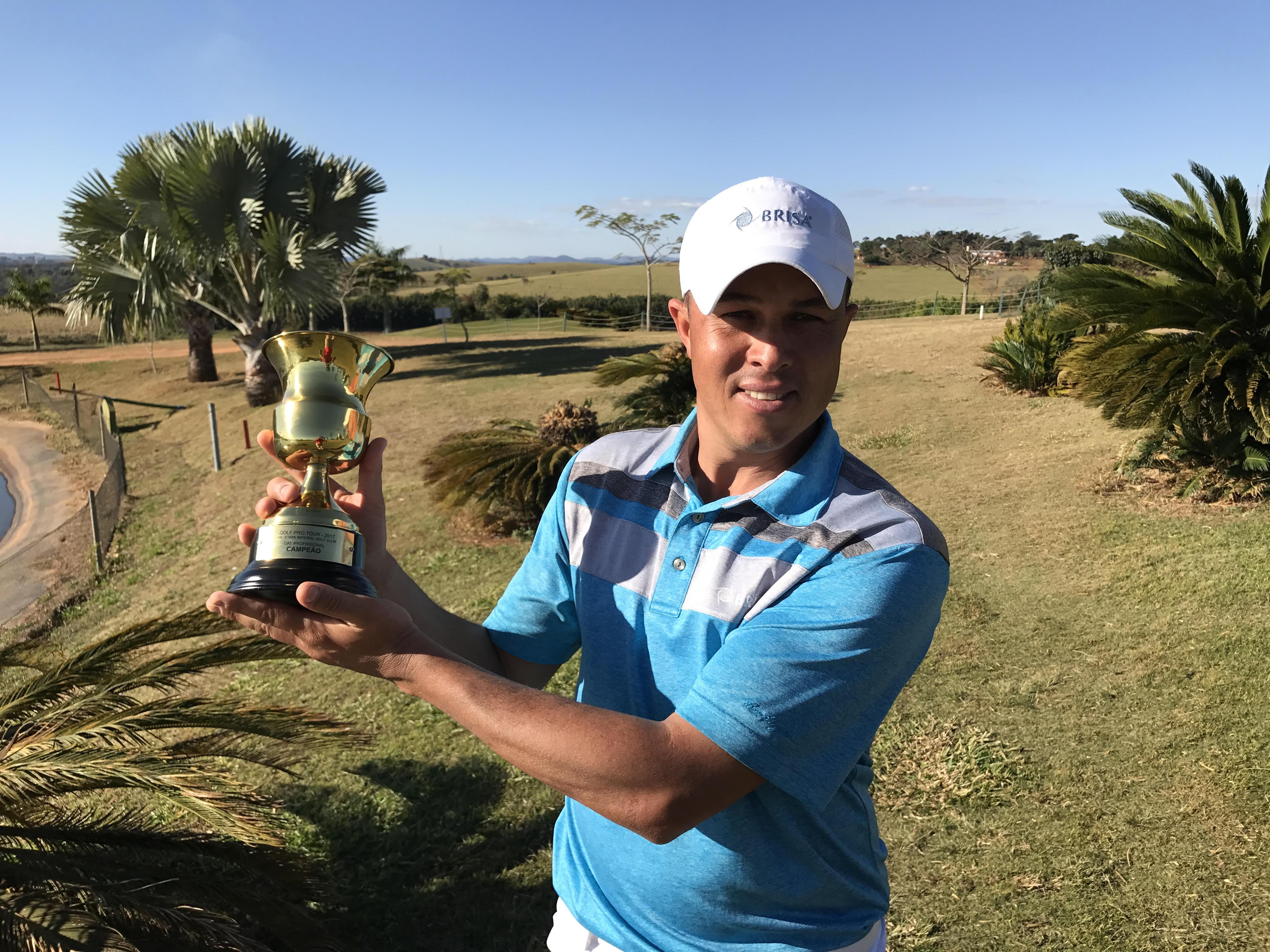 Robison Gomes foi o campeão da VII Etapa do Golf Pro Tour no Imperial Golf Club