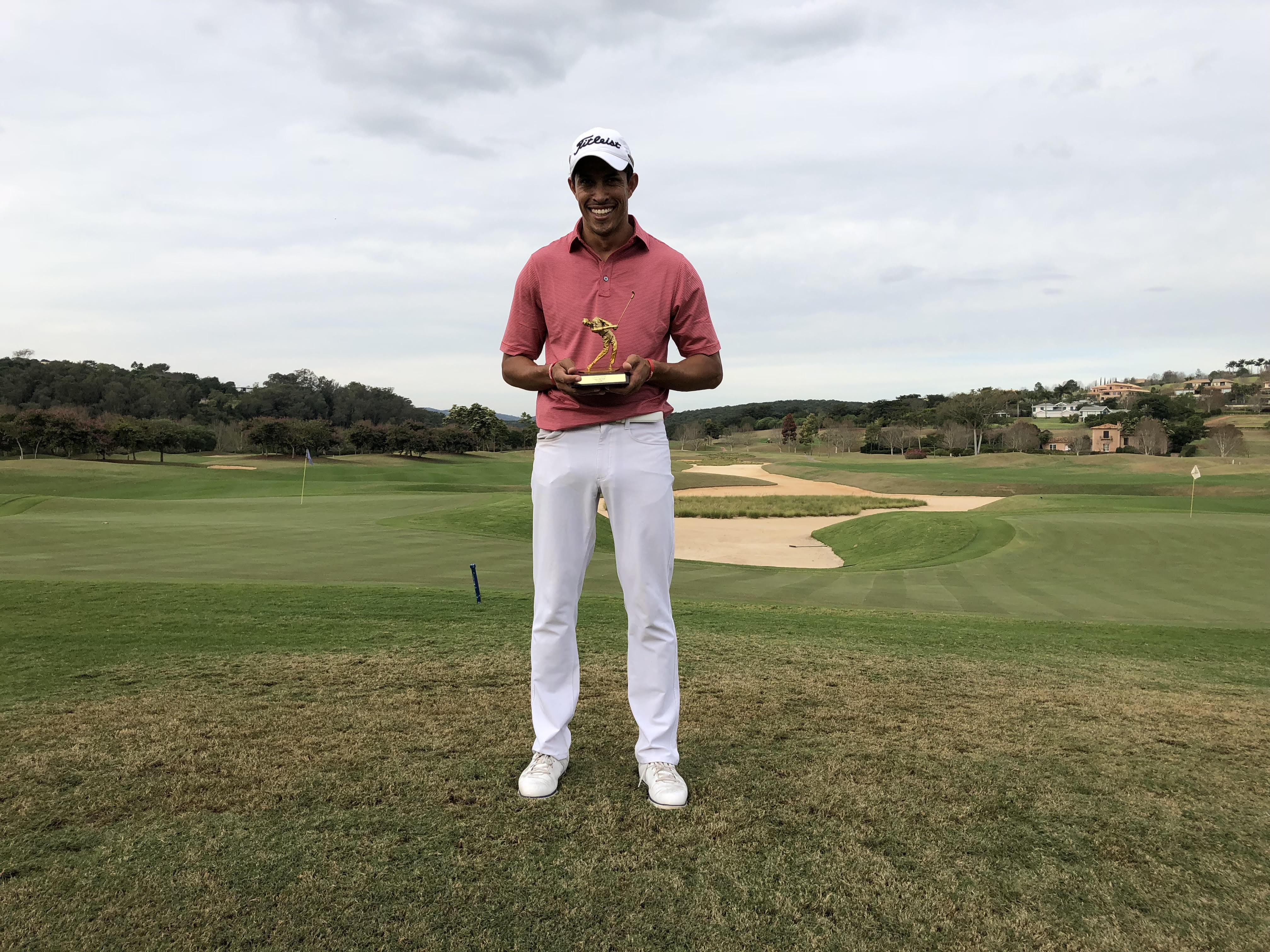 Marcelo Monteiro vence etapa do Golf Pro Tour