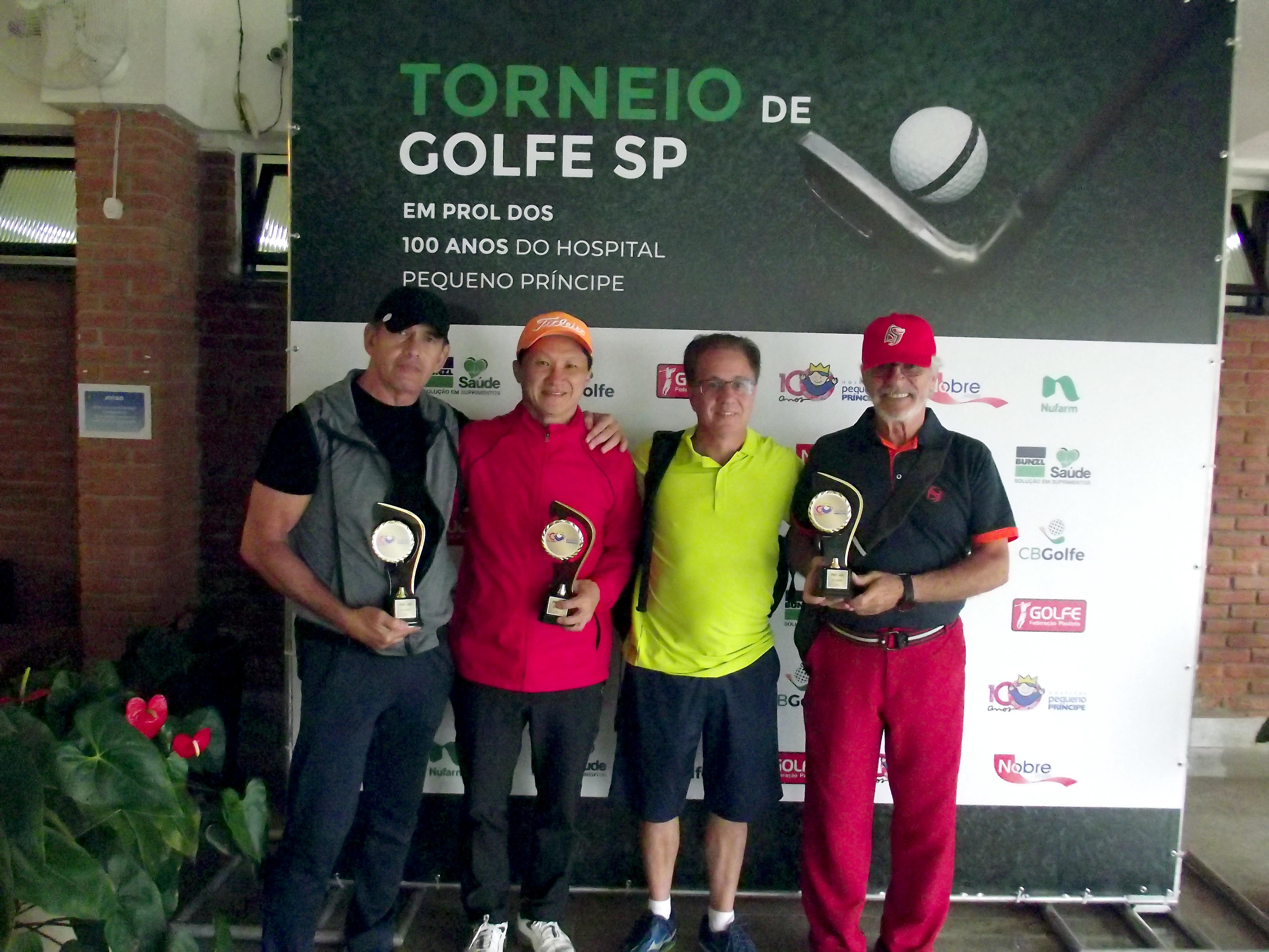 Campeões do Torneio de Golfe em benefício do Hospital Pequeno Príncipe
